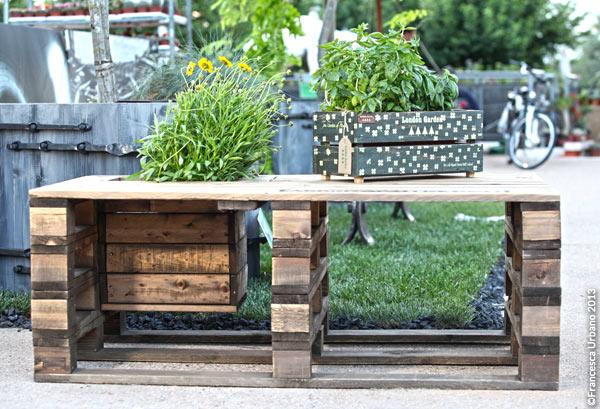 Panca fioriera arredopallet - Come realizzare un giardino verticale ...