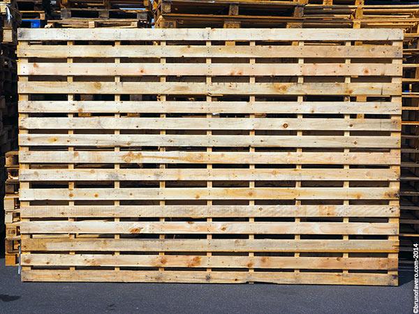 Parete divisoria arredopallet - Parete divisoria in legno fai da te ...
