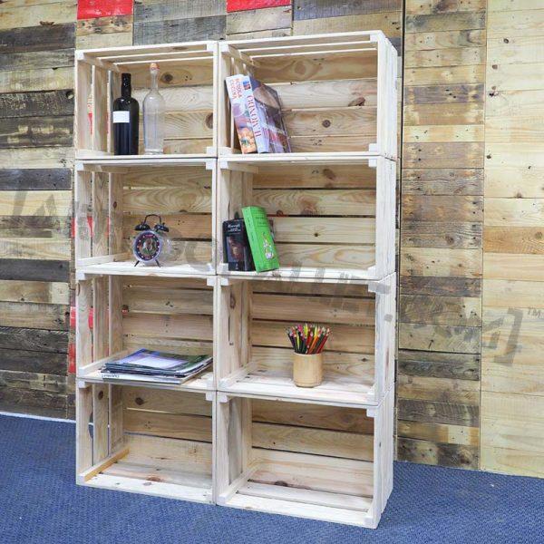 mobili con cassette di legno
