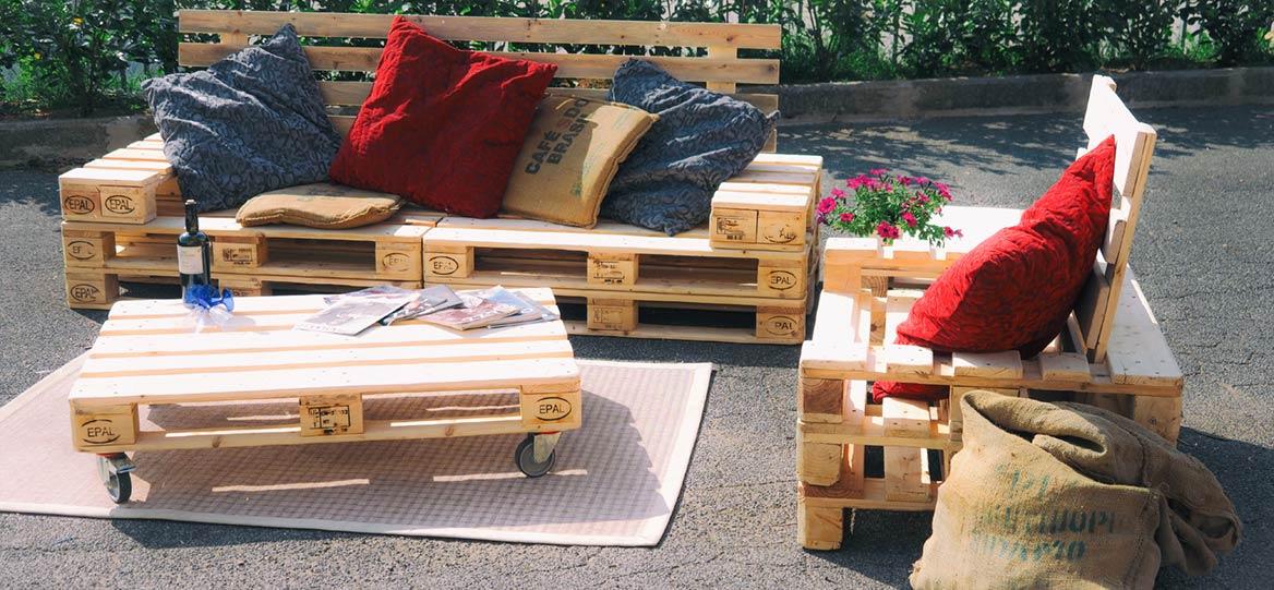 divanetto con bancali